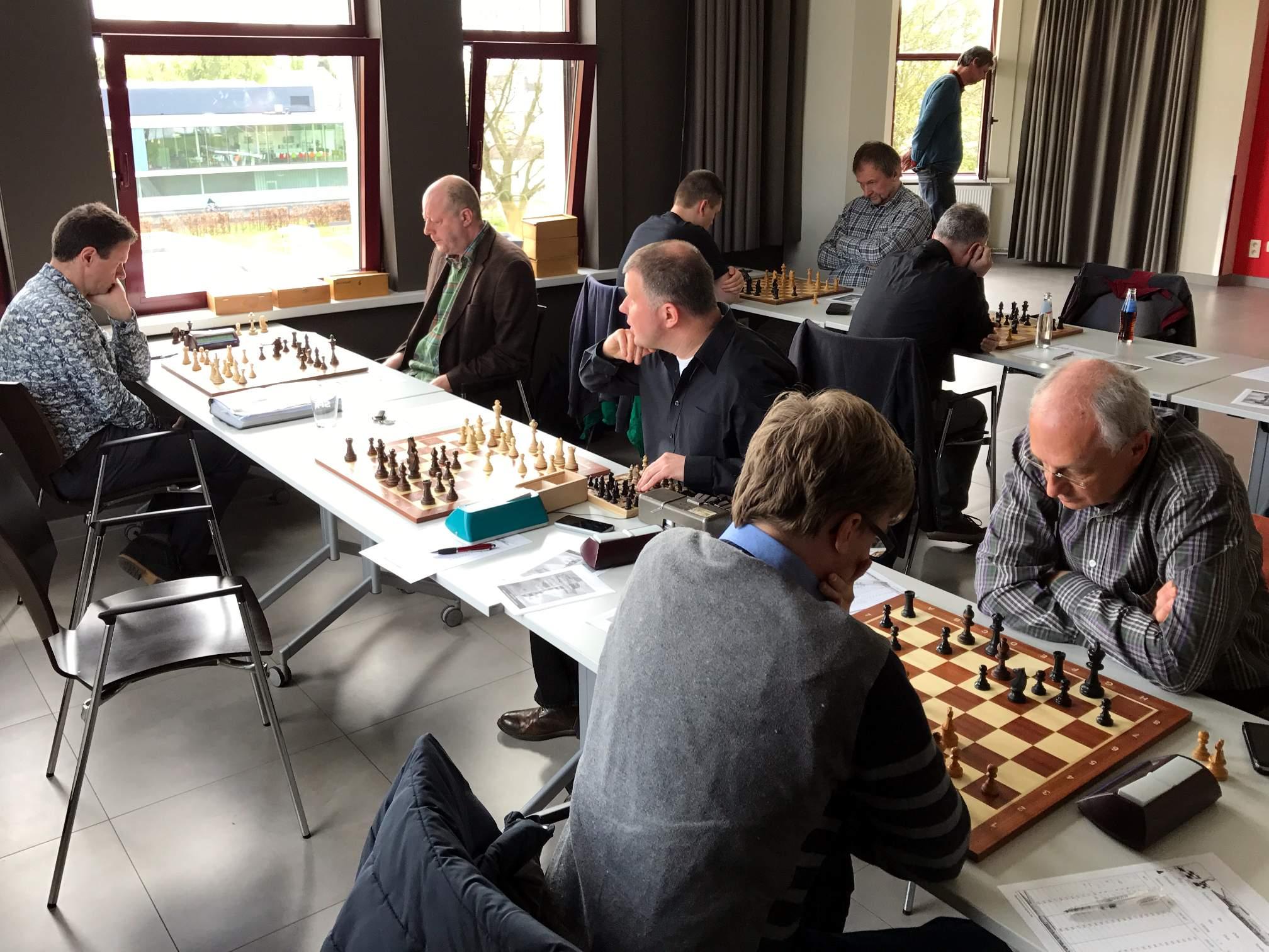 foto Serge, Geert en Geert met op de achtergrond Frank