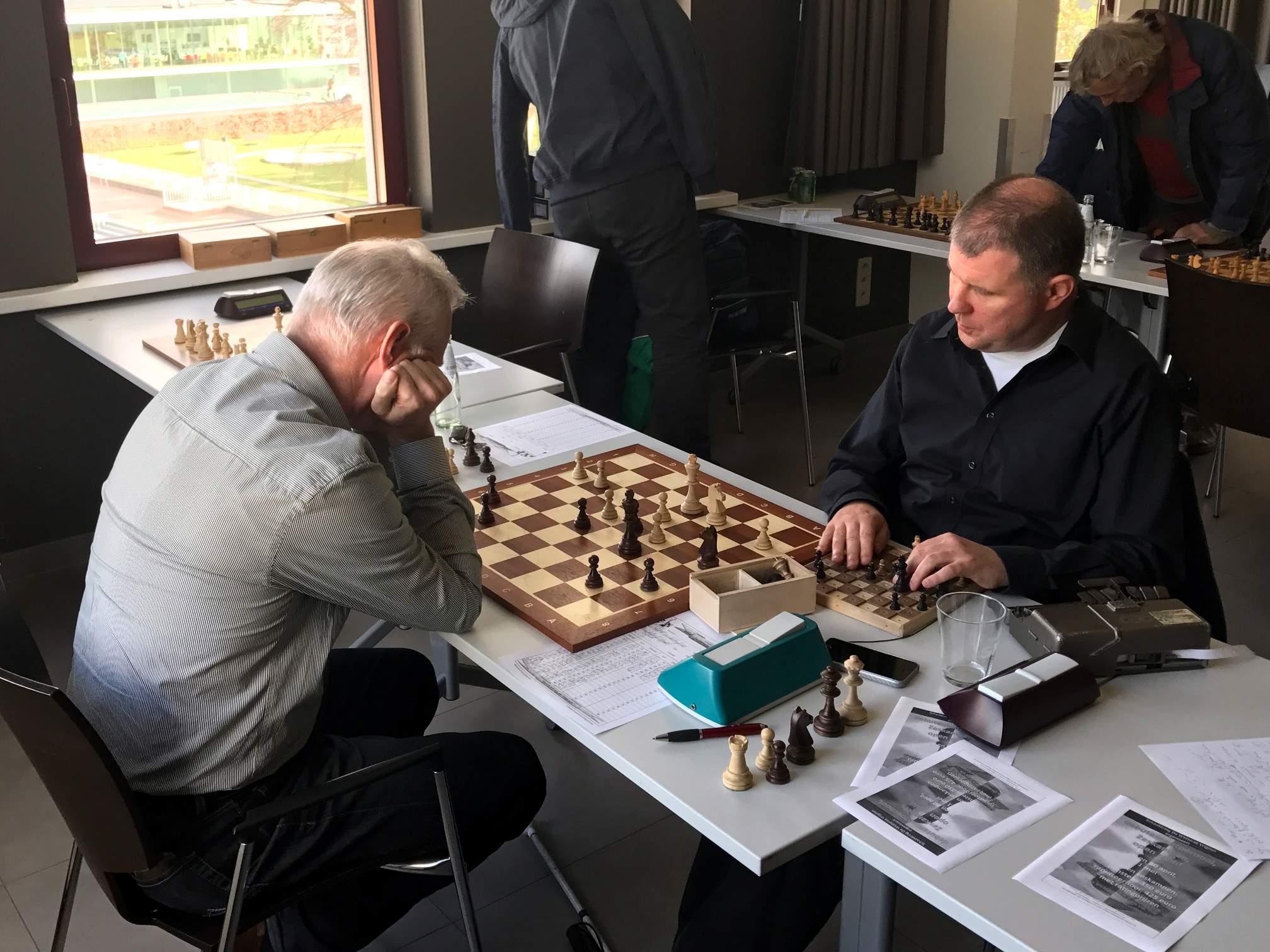 foto Geert M. met zijn tegenstander
