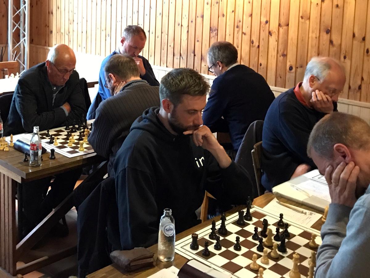 foto van Filip met op de achtergrond Walter, Frank en Geert