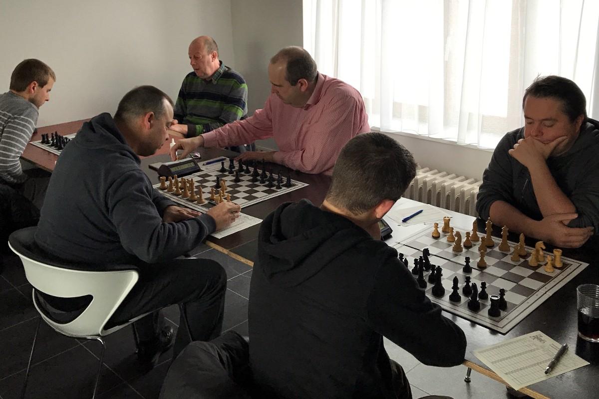 foto 5 van de 6 tegenstanders