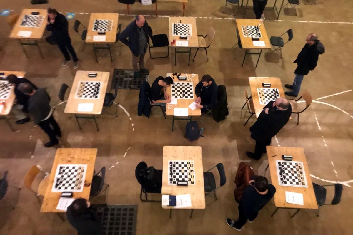 foto tafel Filip en tafels rondom (extreem vogelperspectief)